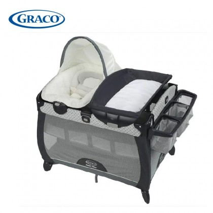 Graco Pack 'n Play Quick Connect Portable Seat Deluxe Playard With Bassinet (FREE QUILT COVER) - McKinley